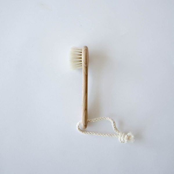 face brush with handle