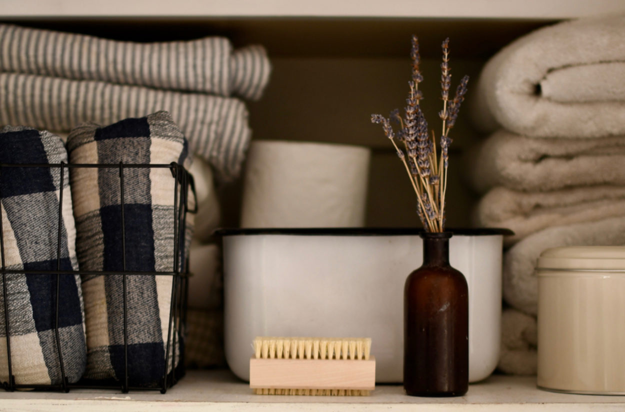 10 Tips to Organize and Beautify Your Linen Closet with Amanda Watters